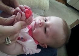 ULTIMELE DORINŢE, la doar 5 luni. Povestea emoţionantă a fetiţei care a fost deja sărutată, are permis de conducere şi tatuaj – FOTO/VIDEO