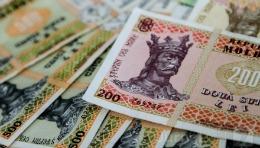 Moldovenii de peste hotare trimit acasă mai mulți bani