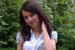 Mihaela Negară, fata din APROPO // FOTO