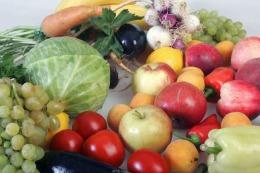 Mâncând fructe și legume devenim mai fericiți // Studiu