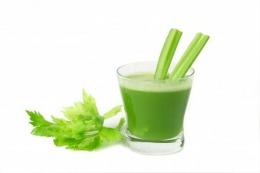 Sucul care inhibă creșterea tumorilor canceroase. Află de ce ingrediente ai nevoie!