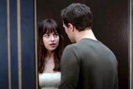 """""""Cincizeci de umbre ale lui Grey"""" a debutat pe primul loc în box office-ul nord-american. Ce filme urmează în top – VIDEO"""