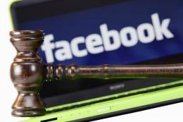 Facebook a pierdut procesul cu profesorul care postase pe pagina sa o pictură cu SEXUL unei femei