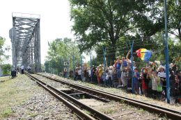 Podul de Flori, revenirea Acasă // GALERIE FOTO