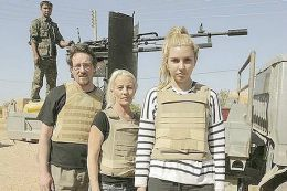 Demenţă! Fac emisiune printre terorişti