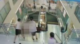"""Tragedie la mall! O femeie a murit """"înghiţită"""" de scările rulante // VIDEO"""