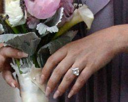 Cea mai scumpă cerere în căsătorie! Ce a făcut un tânăr să-și convingă iubita să-i devină soție!