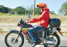 A inventat motocicleta care merge cu apă