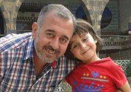 Cine este sirianul agresat de o jurnalistă maghiară?