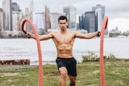 Cel mai frumos basarabean are 24 de ani şi locuieşte la New York // FOTO