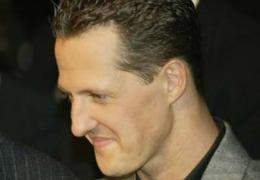 Michael Schumacher ar fi reuşit să ridice o mână