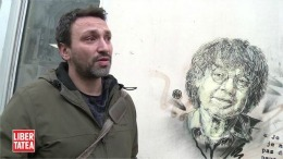 Artistul care pictează pisici și vagabonzi – Tribut pentru Charlie Hebdo