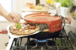 Cu aparatul ăsta faci pizza în 6 minute