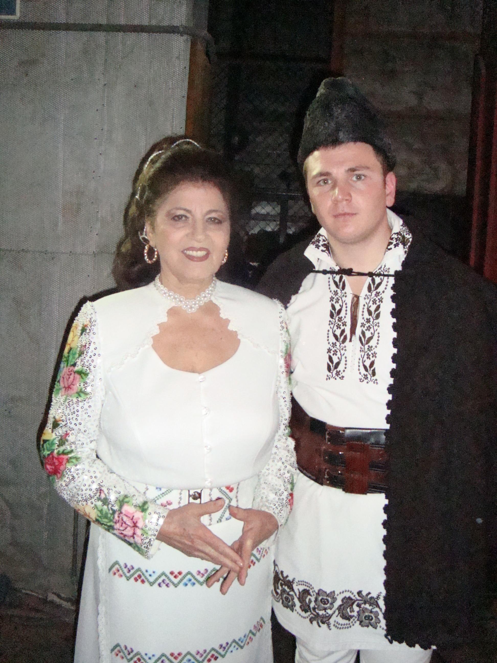 Cu doamna IRINA LOGHIN, 40 DE ANI AI LAUTARILOR (2010)