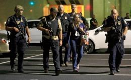 """Șoc și groază în Dallas: """"Tot orașul e plin cu bombe!"""""""