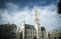 Atac cu bombă la o clădire a Poliției, în Bruxelles. O mașină capcană a fost detonată lângă clădire