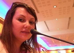 Titi, jurnalista din Franţa