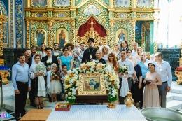 Mariana Mihăilă şi soţul ei au organizat o petrecere de poveste pentru cumetrii lor